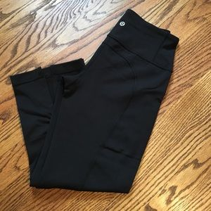 Lululemon cropped yoga pants